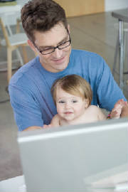 webassets/dad_and_child_and_computer.jpg